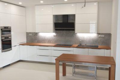 Kuchynský nábytok + jedálenský stôl - Batizovce