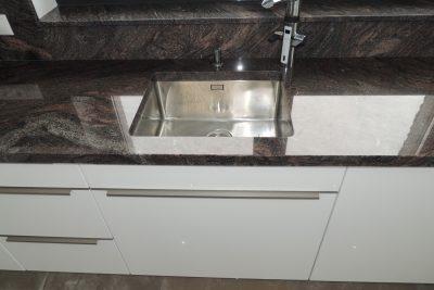 Kuchynská linka + kuchynský pult v altánku - Veľká Lomnica